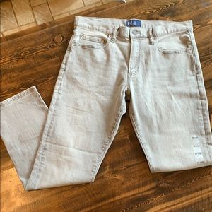 NWOT! Men's grey Gap Jeans  33x30 Slim